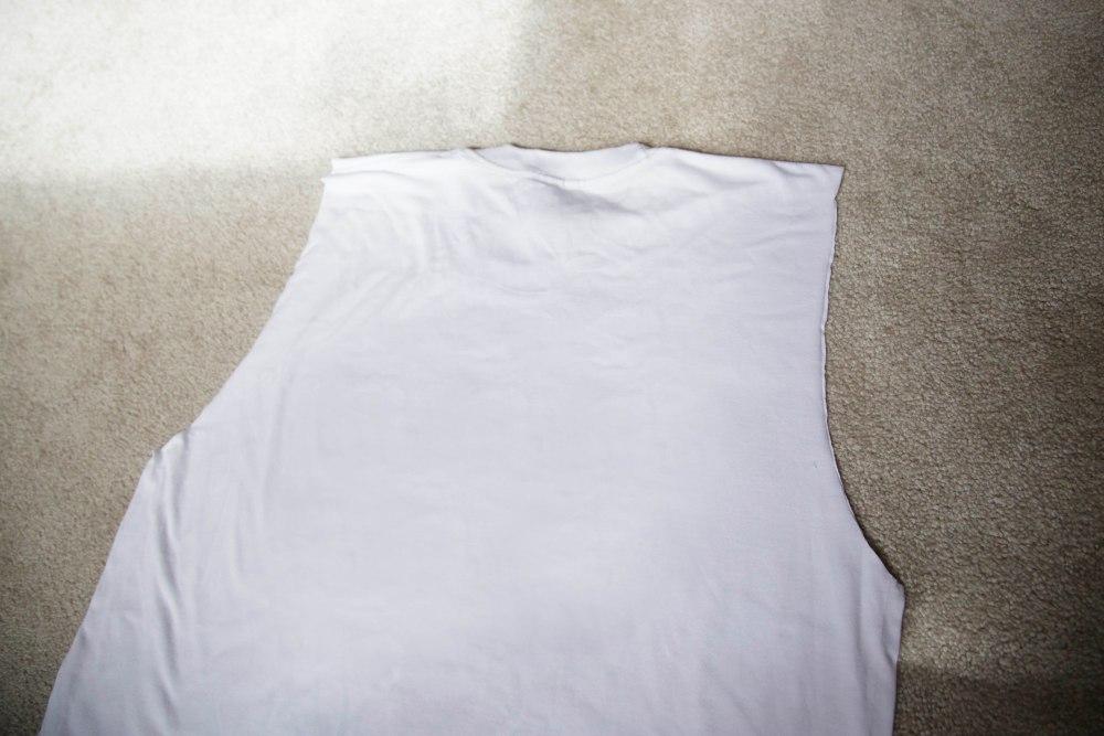DIY: T-shirt to tote (3/6)